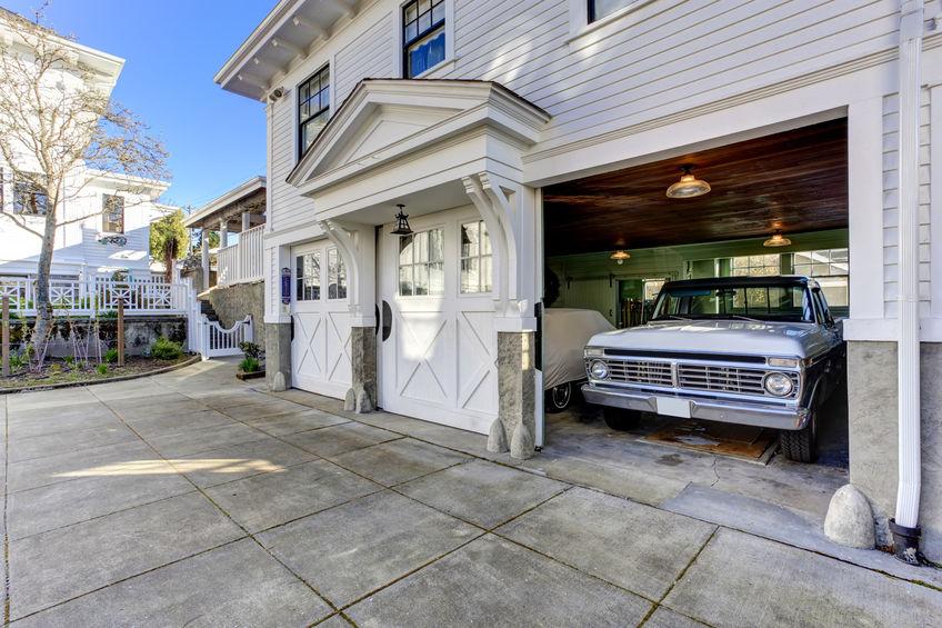 車やハーレー、バイク好きにたまらないガレージハウス、ビルトインガレージ、ガレージの家のデメリットとメリット